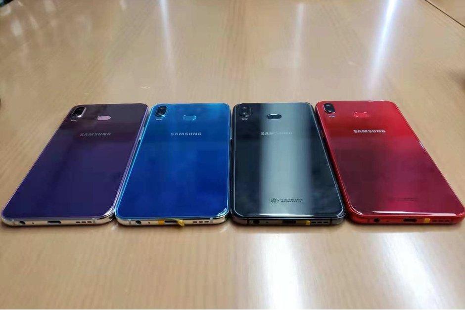 Loạt máy Galaxy A6s xuất hiện với màu sắc rực rỡ